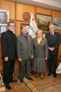 Buvusi Žemės ūkio ministrė prof. Kazimiera Prunskienė svečiuojasi Valstiečių laikraščio redakcijoje. 2006 m. Vilnius
