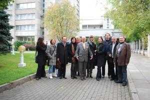 Lietuvos žurnalistai su tuometiniu ambasadoriumi Rusijos federacijoje Antanu Vinkumu. Maskva. 2009 m.